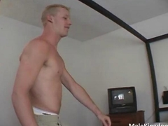 Gorgeous blonde homo blows his boyfriend